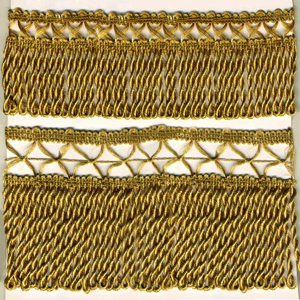 БАХРОМА- Бахрома выполнена с использованием люрекса и металлезированной нити. Для изготовления некоторых видов применяется серебряная нить и позолота.  Все изделия производства Греции, Италии и Франции.
