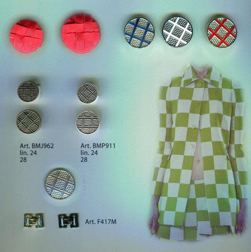10019 - 13.14-  Коллекция сезона 2013-2014. Металлофурнитура - пуговицы, крючки, пряжки, застёжки, декоративные элементы. И новинка - пуговицы оформленые переплетённой лентой. Всё комплектуется по цвету, дизайну, материалу.