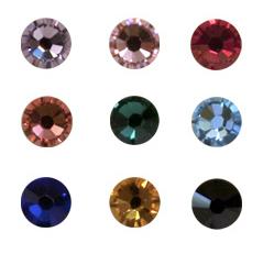 JUW-DMS+-  Благодаря машинной огранки, количеству граней (12 -16), химическому составу стекла эти стразы обладают ювелирным качеством, хорошим блеском, прозрачностью и разнообразием цветов, включая полутона и оттенки.